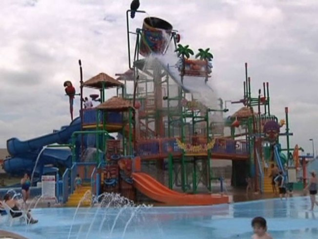 Hawaiian Falls Roanoke? Some Neighbors Say No