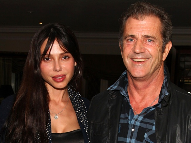 Oksana Not After Mel Gibson's Money: Lawyers
