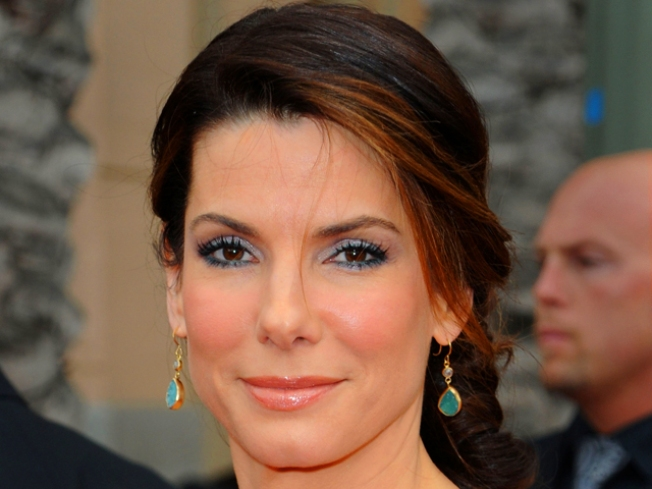 Sandra Bullock Helps Open Health Clinic in New Orleans