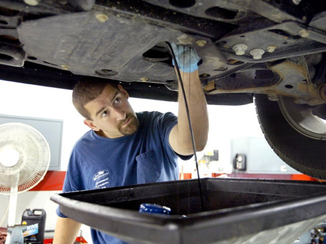 Auto Service Centers Packed Ahead of Holiday Travel Time