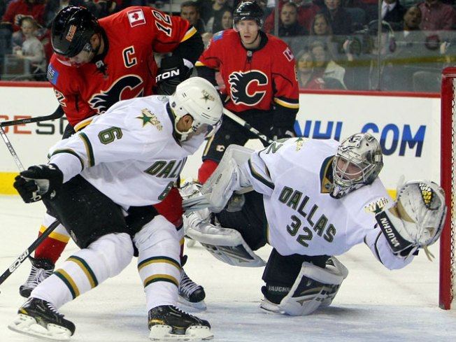 Sarich, Staios Push Flames Past Stars