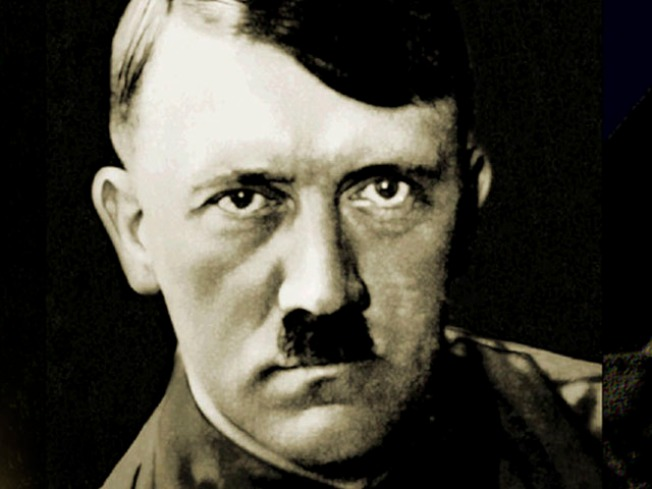 """Hitler Had """"Shocking"""" Table Manners, Frequent Flatulence"""