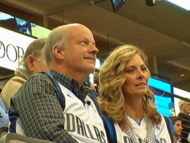 Couples' Love Goes Hand In Hand With Love of Mavs