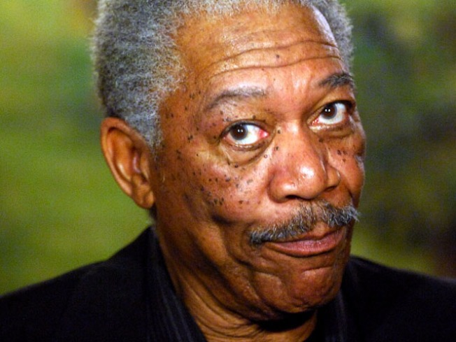 Morgan Freeman Replaces The Late Cronkite's Voice Introducing 'CBS Evening News'