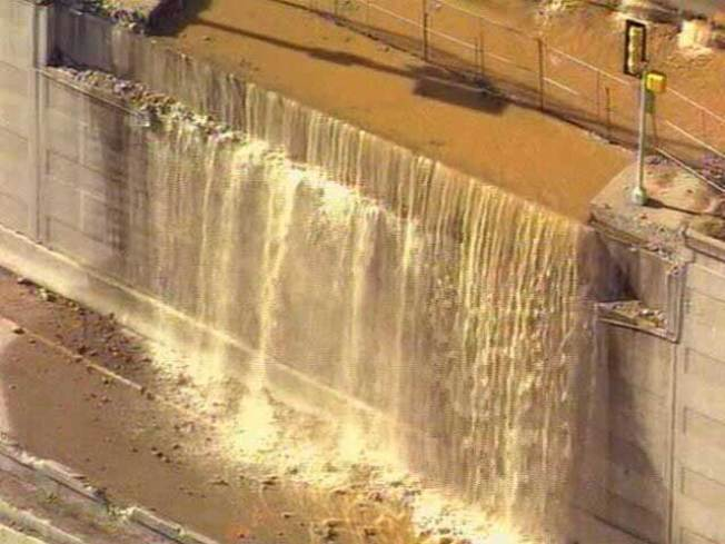 Water Main Break Gives Dallas Temporary Waterfall