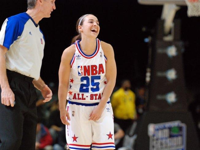 WNBA Veteran Becky Hammon Retiring After Season
