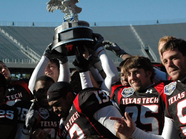 Tech Beats Northwestern in TicketCity Bowl
