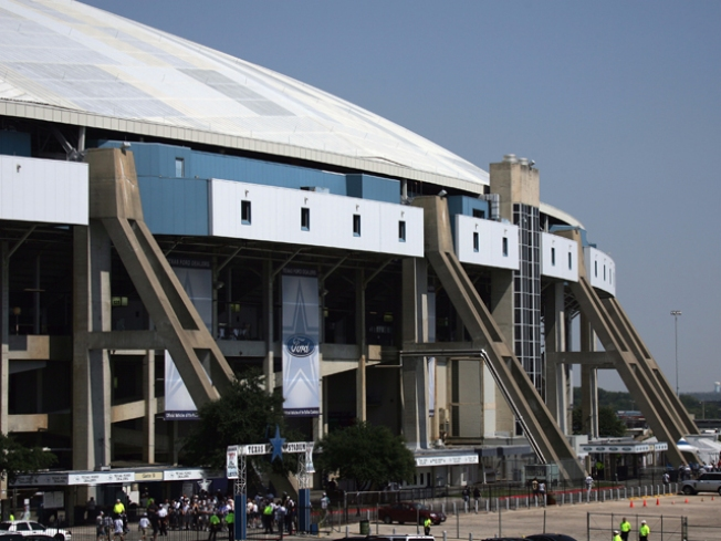 Farewell to Texas Stadium Bittersweet for Hotel Owners
