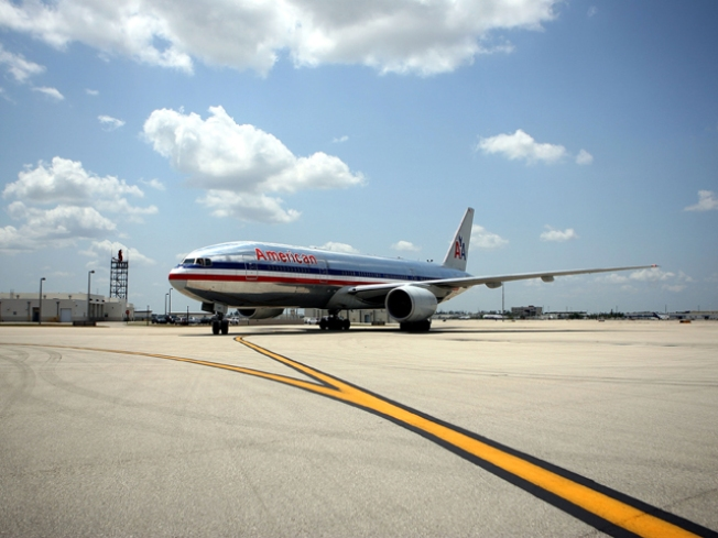 AA Seeks Exemption from DOT's Tarmac Rule