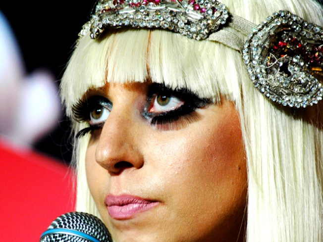 Lady Gaga Tested For Lupus, But Tells Fans Not To Worry
