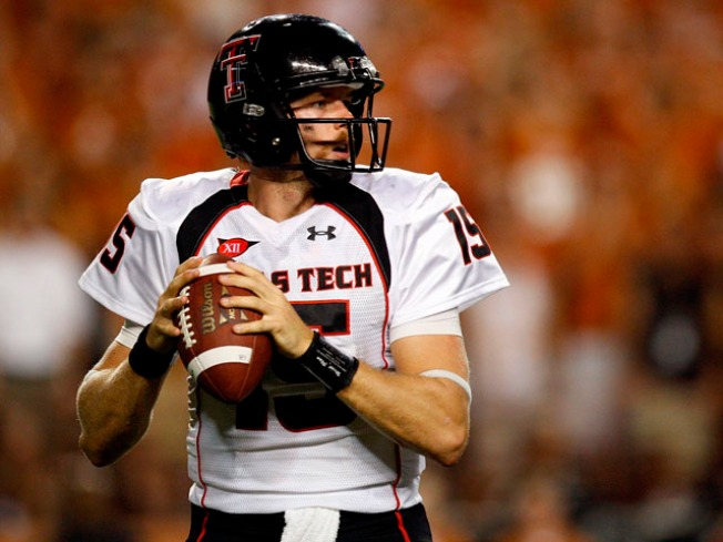 Potts Throws 4 TDs as Texas Tech Beats SMU