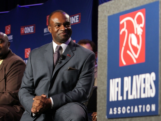 Rift Not Settled: Retired NFL Players to Union