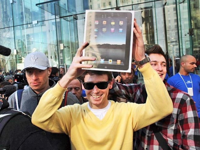 Apple Shelved iPad to Develop iPhone