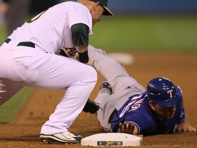 Rangers Down the A's, Win Fourth Straight