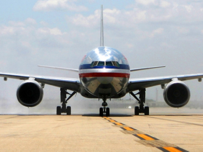AA, TWU Reach Tentative Agreement with Mechanics