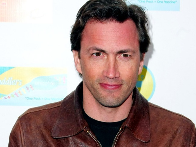 """Andrew Shue and """"Today's"""" Amy Robach Wed"""