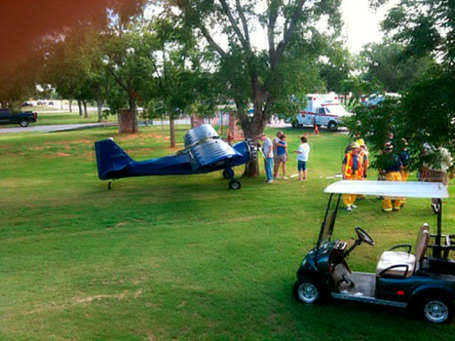 Plane Makes Emergency Landing on Golf Course