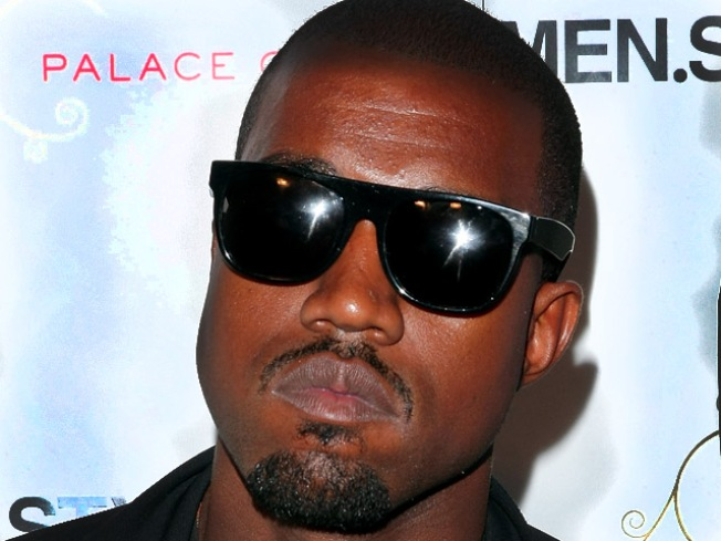 Kanye West Starts Twitter War with Britney Spears
