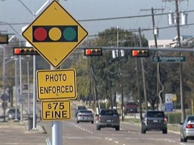 Study: Red Light Cameras Reducing Collisions