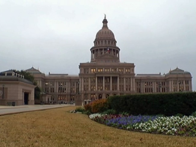 Texas Senate OKs Banning Some Insurance Coverage of Abortion