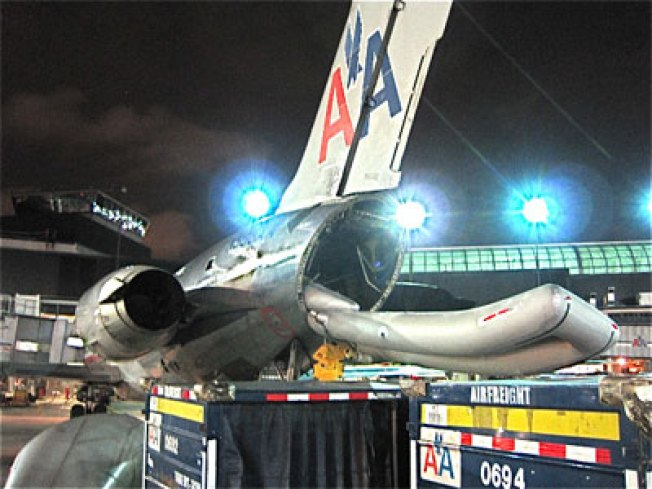 American MD-80 Jettison's Tailcone in Chicago