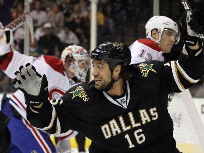 Stars Surge Past Canadiens