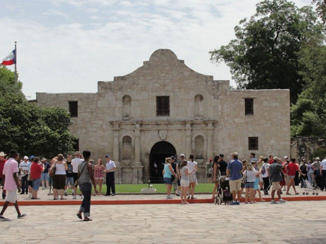 Alamo Displays Cannon Likely Used During Battle