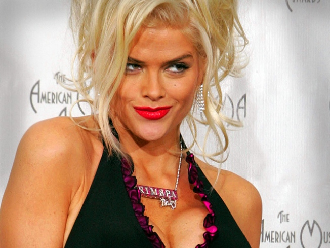 Top Court to Hear Anna Nicole Estate's Bid for Marshall's Millions
