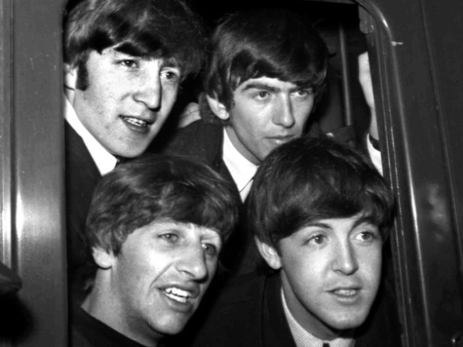 Beatles Sell 2 Million Singles, 450,000 Albums on iTunes