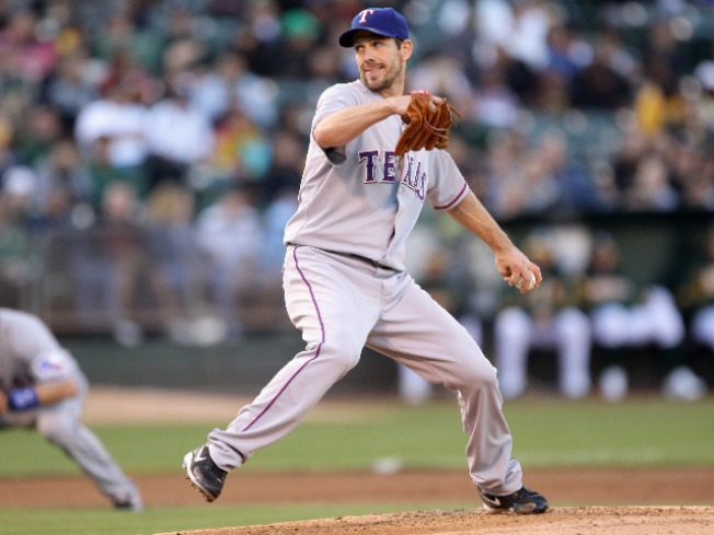 Rangers Sweep Yankees