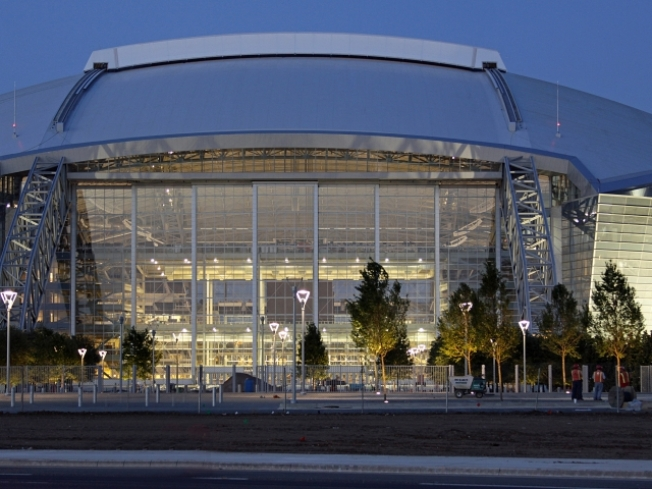 Two Injured in Fall From Cowboys Stadium Roof