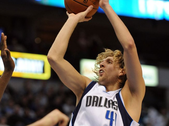 Nowitzki, Butler Get Mavs Back on Winning Track