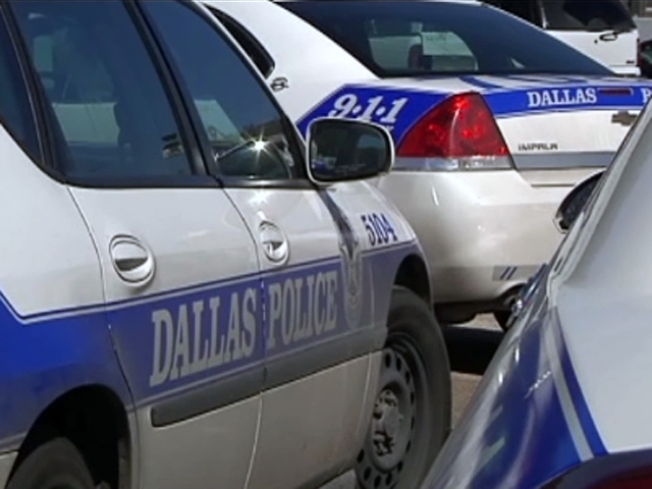 Officer Hurt After Dallas Chase Ends in Collision
