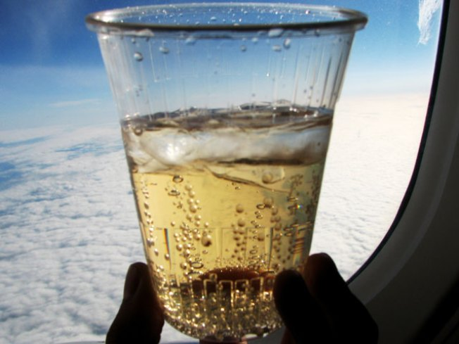 American Airlines Introduces Happy Hour