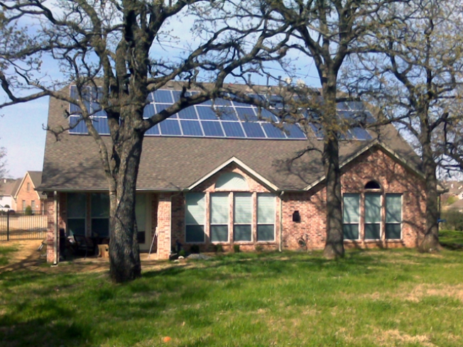 Flower Mound HOA Tries to Ban Solar Power