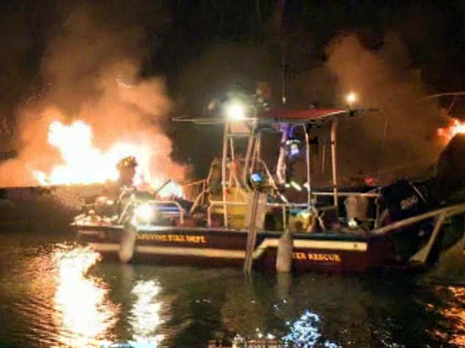Fire at Grapevine Lake Damages Six Boats