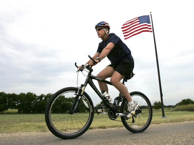 Bush Hosts 100K Bike Ride for Wounded Vets