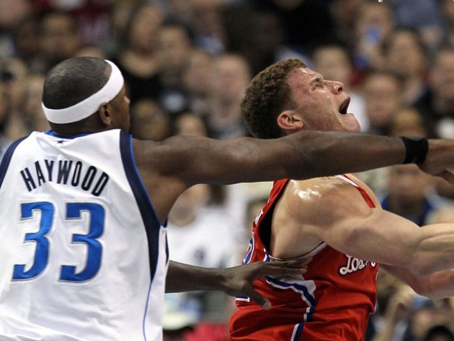 Mavericks Rebound to Edge Clippers