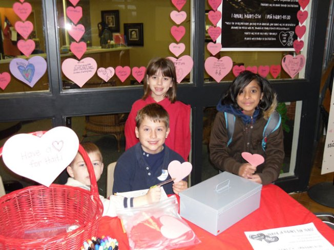 Garland Kids Sell Hearts for Haiti