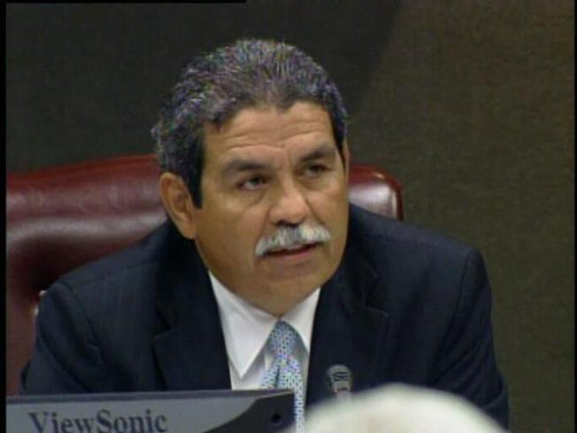 DISD Again Opts to Not Extend Hinojosa's Deal
