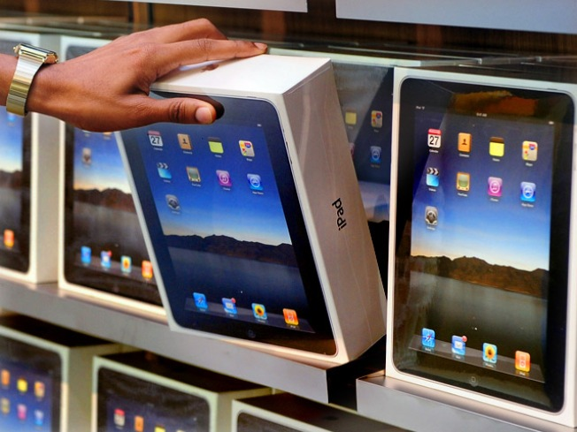 Apple Promises to Hold a Black Friday Sale
