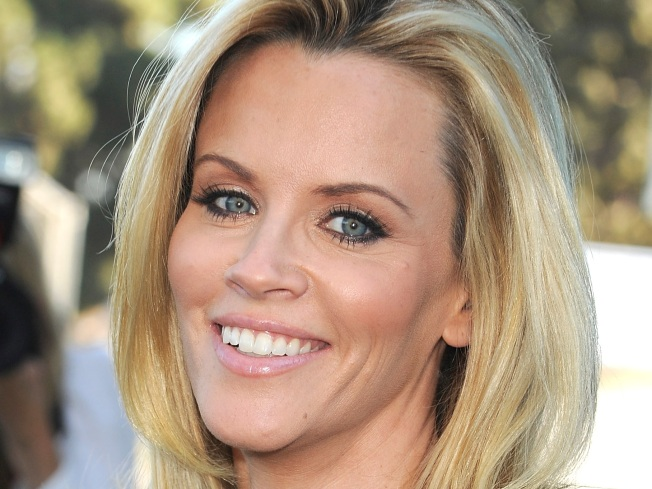 "Jenny McCarthy: Working With Sheen Is ""Amazing"""