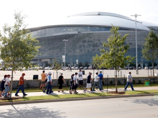 Sit Outside JerryWorld, Watch the SB XLV on TV for $200
