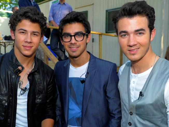 Jonas Bros. Cancel MX Show Over Security Concerns