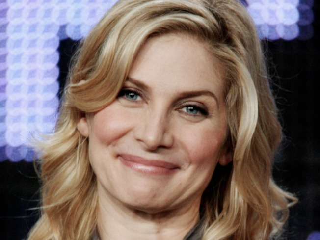 """Elizabeth Mitchell Talks """"Lost"""" Future: """"I Am Going To Be Traveling To Hawaii More Than Once"""""""
