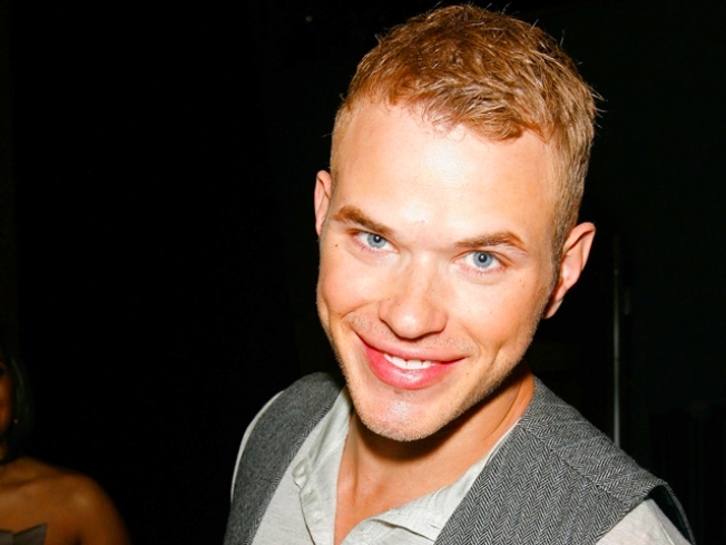 Kellan Lutz Denied From 'New Moon' Afterparty?