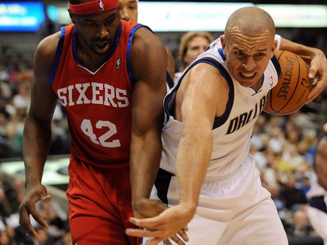 JET's Jumper Lifts Mavs Past 76ers