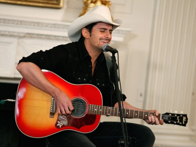 Brad Paisley Says No To Nudity