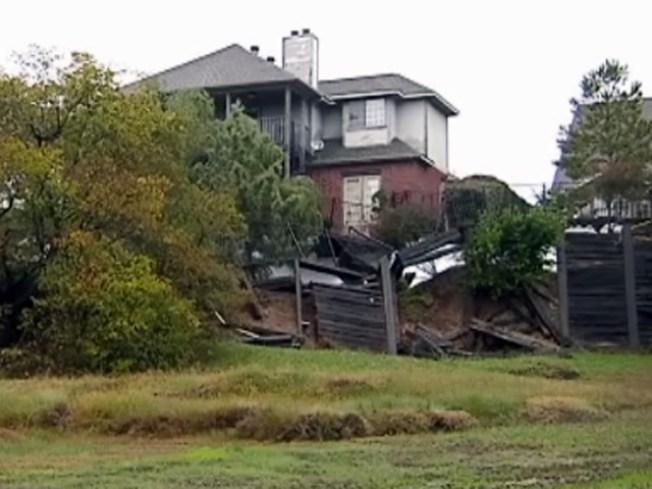 Engineers Warn House May Slip Away in Rain