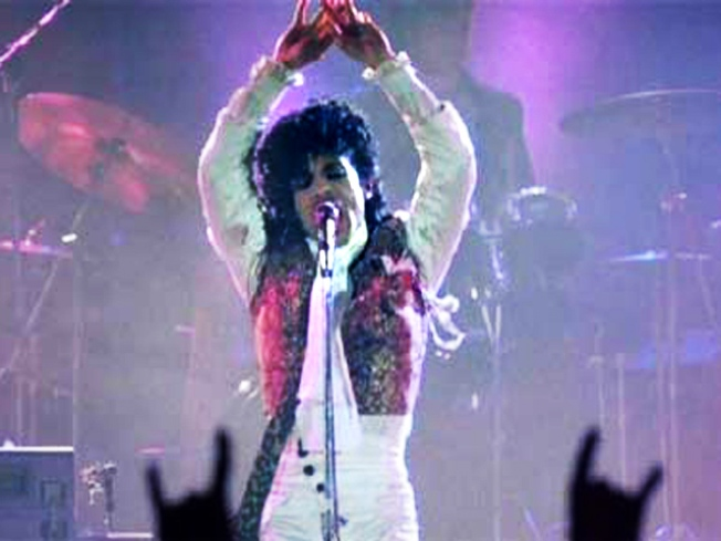 Prince to Play Dallas Tent Before Super Bowl XLV